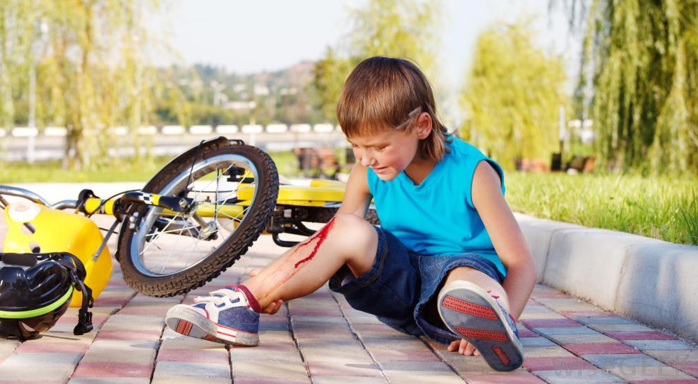 bike knee fall
